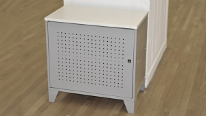 METAL LOCKING CABINET // CB-01